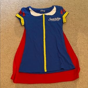 Snow White shirt with cape